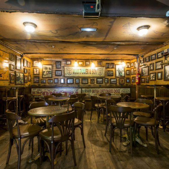Mesas Obama Barcelona Pub