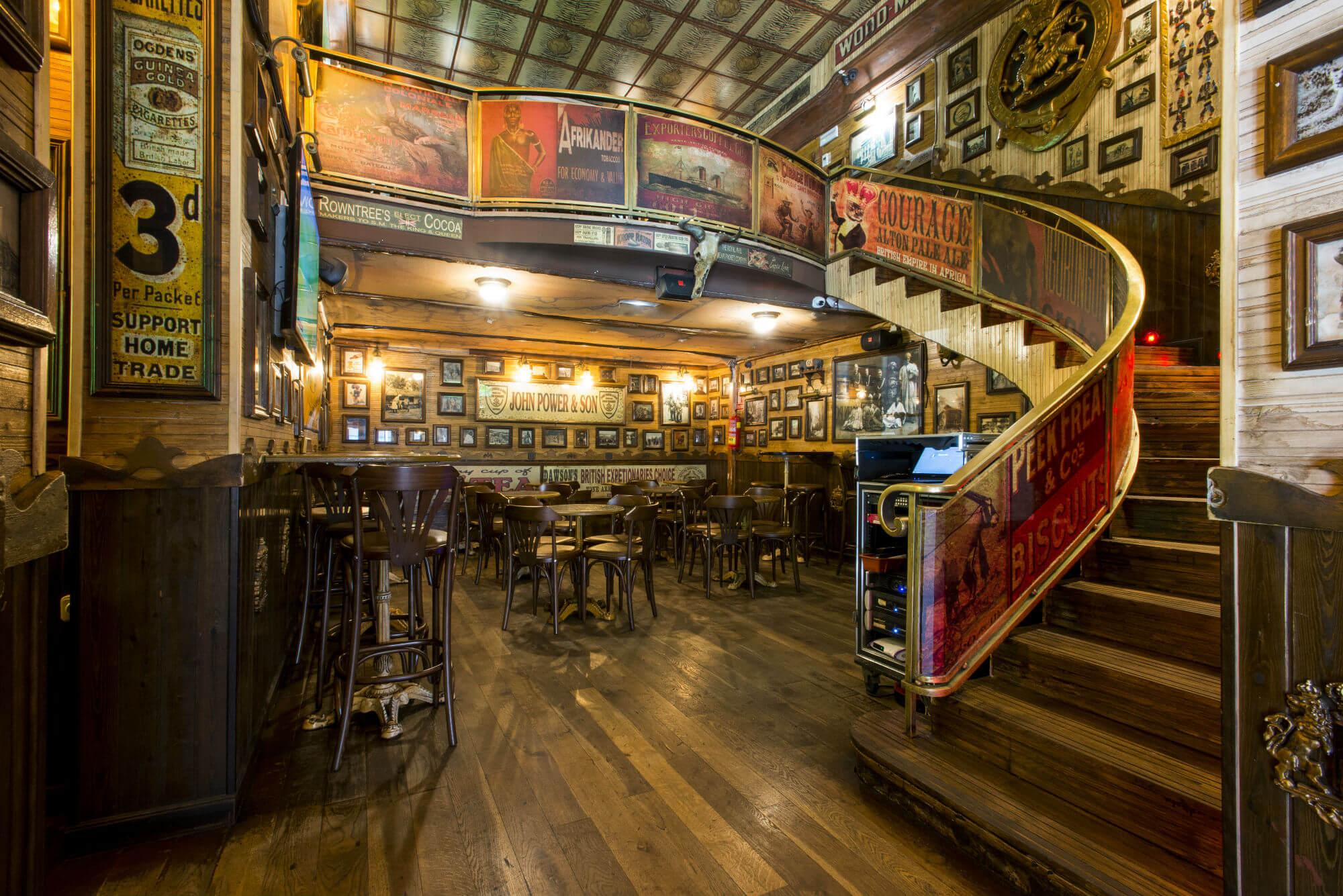 inside obama barcelona english pub